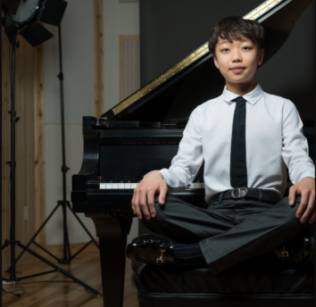 Pianist Nathan Lee; Photo: Matt Dine