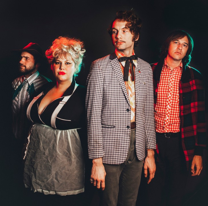 Shannon & the Clams; (L to R) Nate Mahan, Shannon Shaw, Cody Blanchard, Will Sprott; Photo: Alysse Gafken