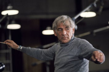 Leonard Bernstein in 1974; Photo: Santi Visalli/Getty Images